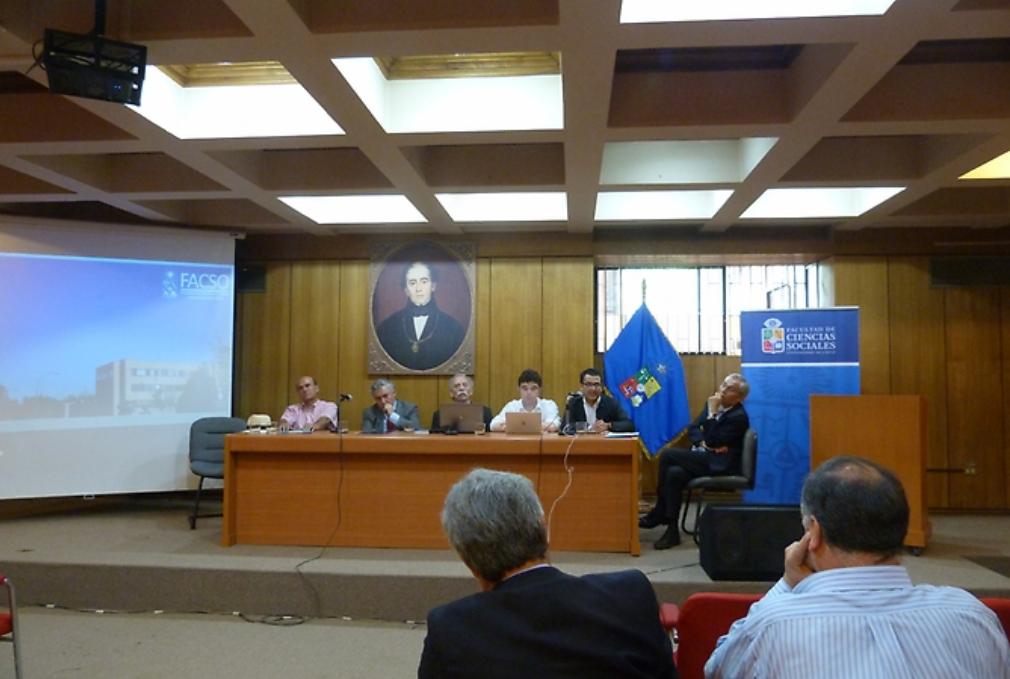 """Académicos del Departamento participan de Proyecto Iniciativa Bicentenario de la Universidad de Chile """"Nudos del Desarrollo en Ocho Regiones de Chile"""""""